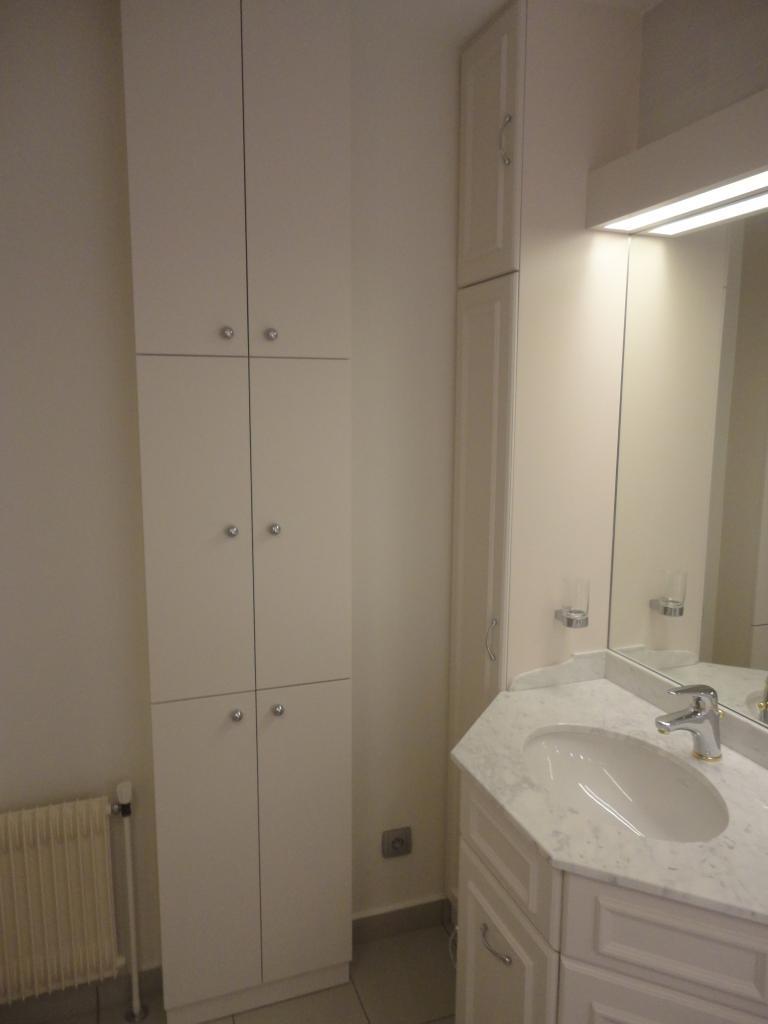 Salle de bain sur mesure fabriquée dans notre atelier.