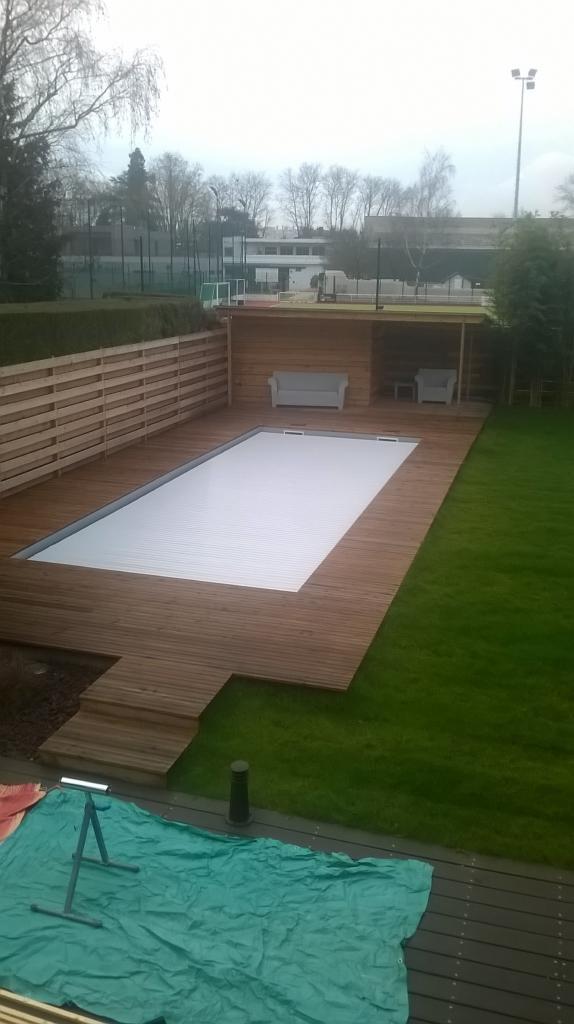 Terrasse & cabanon de piscine sur mesure.